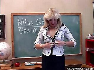 jav  mature teacher  ,  milf  ,  milf in glasses   porn movies