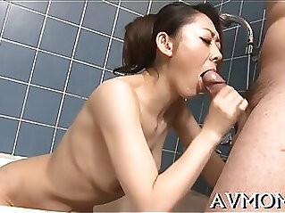 Milf gets big wang to play on cam with